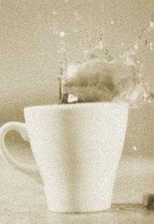 пролитый чай
