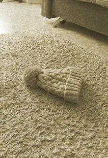 шапка упала на пол