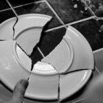 К чему разбилась тарелка