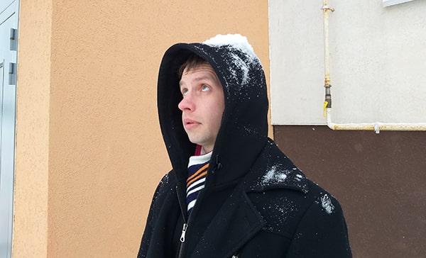 снег упал на голову
