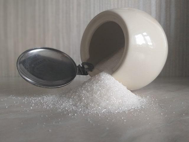 рассыпанный сахар