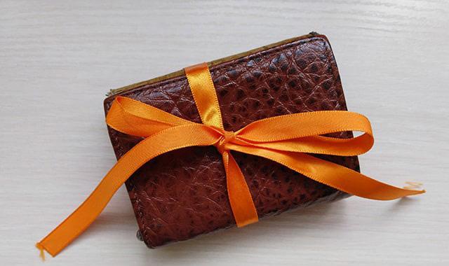 дарить кошелек – примета